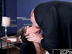 Low-spirited Psychologist Peta Jensen Deepthroats Her Patient'_s Cock be expeditious for Therapy