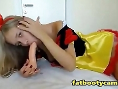Snow White Teen is Unsurpassed a Virgin - fatbootycams.com