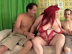Fatty Eliza Sue takes 2 dicks in her pussy
