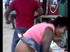 Couple going to bed in publicly on kiambu streets