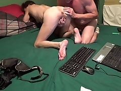 Scrimp Fingers Wife and Licks Clit