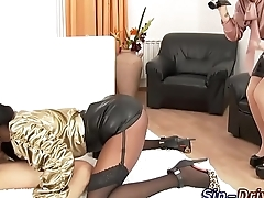 Glam ebony babe eaten out