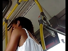 Moreninha de Short no Bus[1]